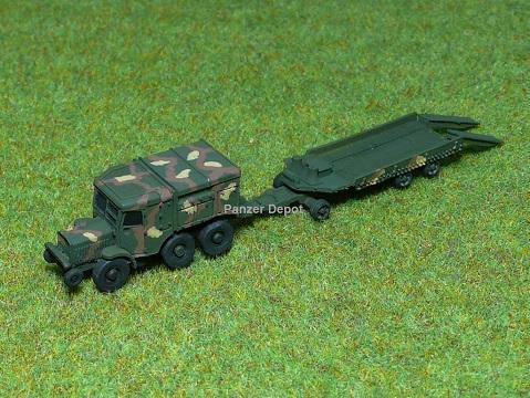 Panzer Depot 1//144 WWII USA M43 Ambulance Car green 8274